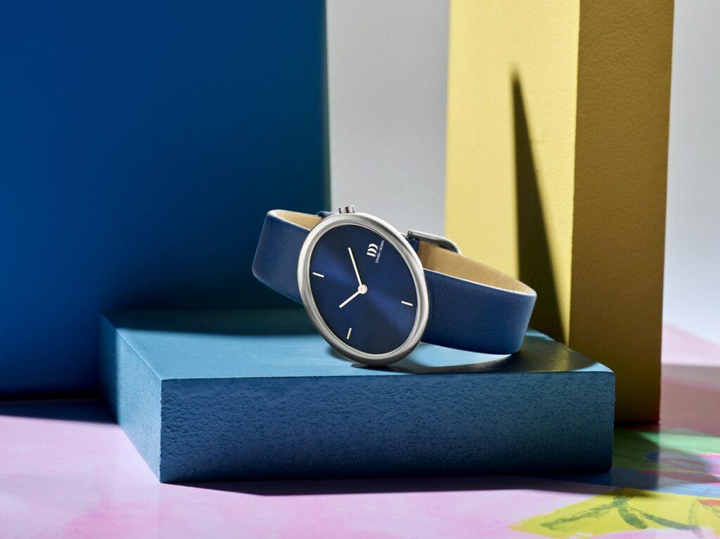 elipse horloge van Danish Design