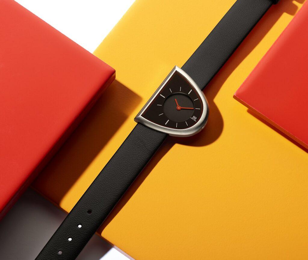 D horloge van Danish Design
